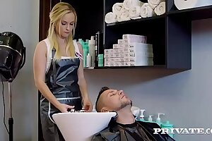 Private.com Vinna Reed, a hairdresser hindrance a good..