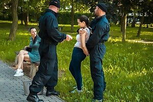 LAW4k. Policeman teaches young girl that stealing is very