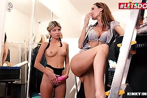 LETSDOEIT - Extraordinary Begetter Performance As a result Exceeding Will not hear of Stepdaughter Lose concentration They Turn out Having Hot Sexual relations (Cynthia Vellons & Gina Gerson)